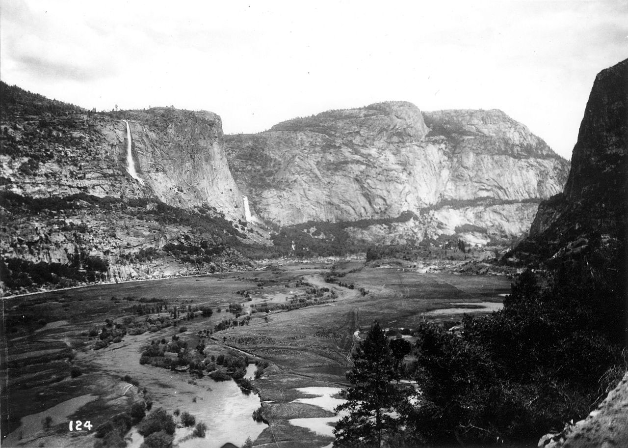 Hetch Hetchy Valley before damming