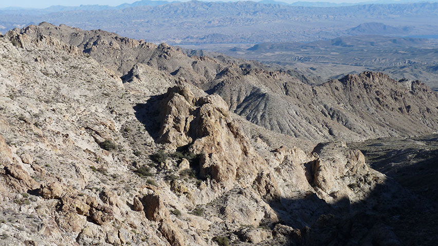 Numerous small canyons drain the mountain range.
